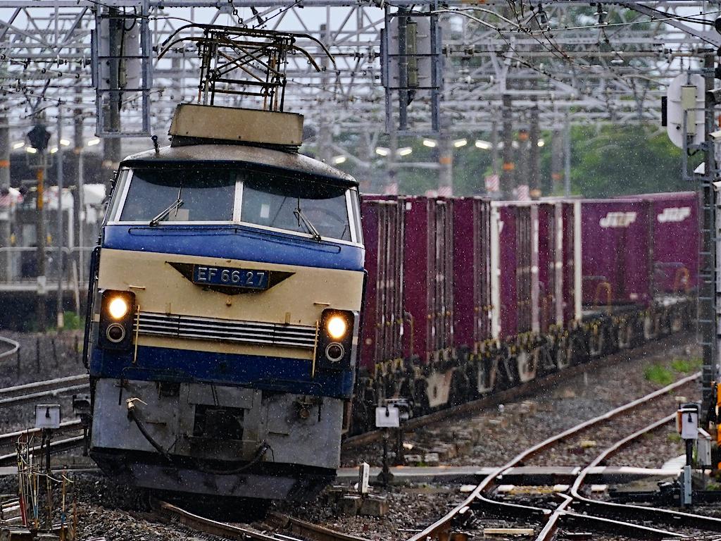 200626 JRF EF6627 yamazaki1