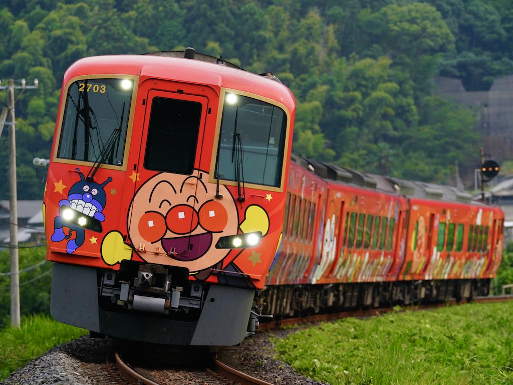 200808 JRS 2703 anpanman sanukisaida1