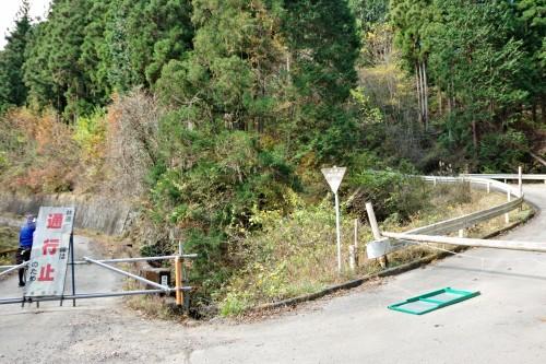 ☆IMGP4625右(林道滝の入線)