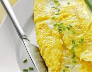 omelette-al-formaggio-con-erba-cipollina-480x360 (2)