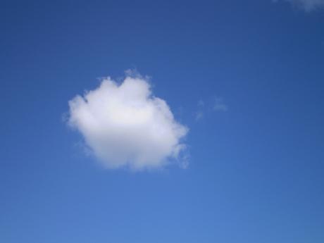 09年10月27日白い雲katosatoru
