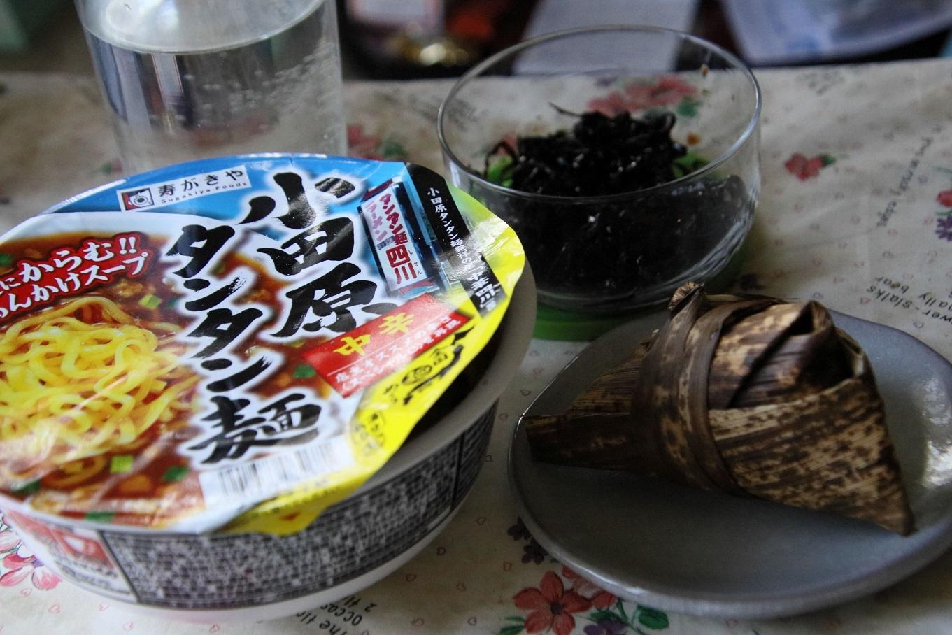 111ランチ カップ麺.jpg