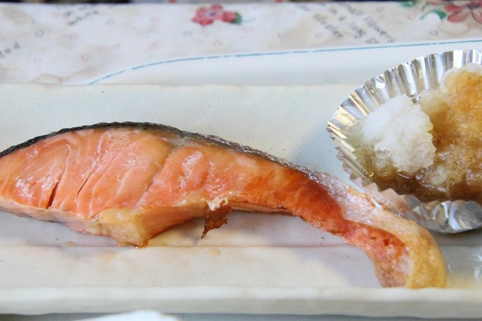 111サケの焼き魚.jpg