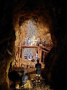 新鉱脈発見のお祝い