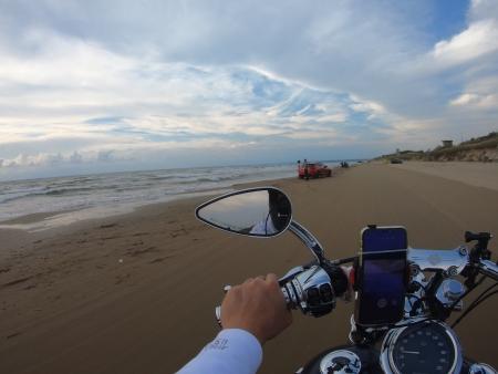 ぴーきちハーレーブログ 福井金沢ツーリング 千里浜なぎさドライブウェイ バイクで砂浜を走れる 海を眺める