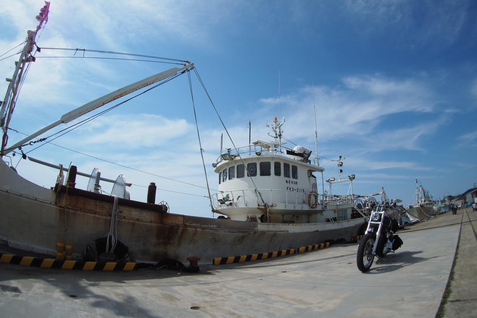 ぴーきちハーレーブログ 福井金沢ツーリング 三国港 漁船