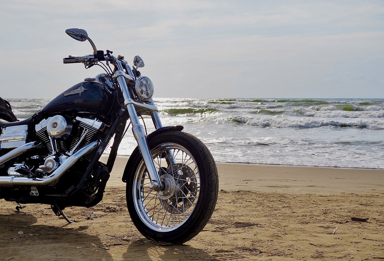 ぴーきちハーレーブログ 福井金沢ツーリング 石川県 千里浜なぎさドライブウェイ 砂浜を走る