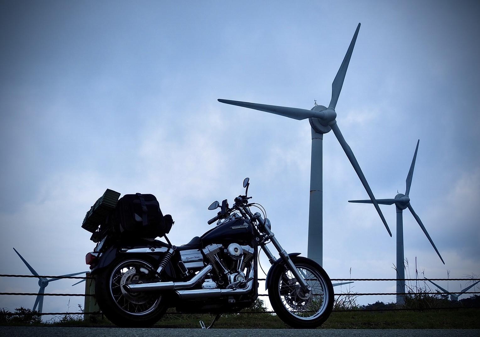 ぴーきちハーレーブログ 青山高原 風力発電 インスタ映え スポット 不気味なアングル