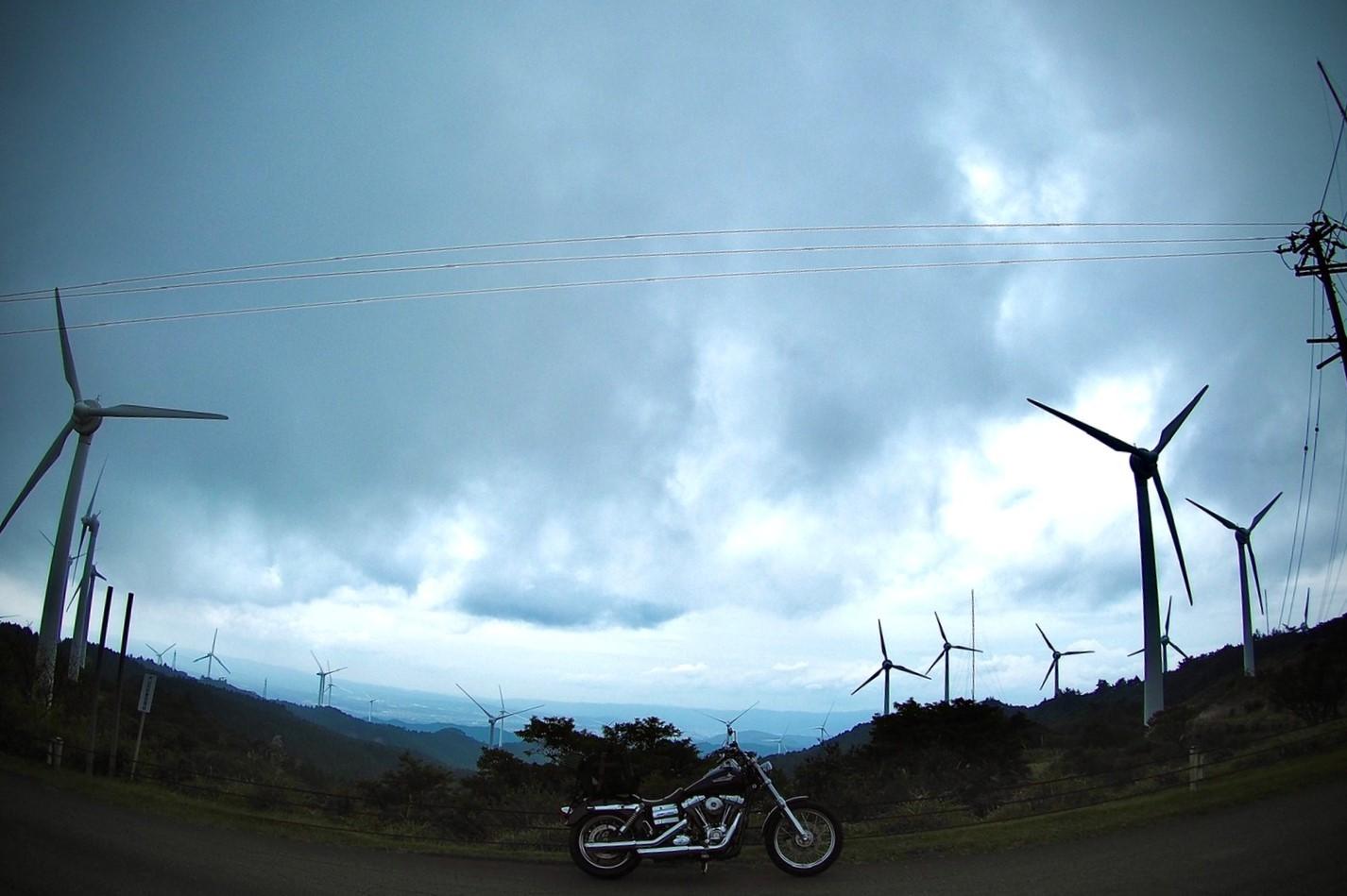 ぴーきちハーレーブログ 青山高原 風力発電 インスタ映え スポット 不気味
