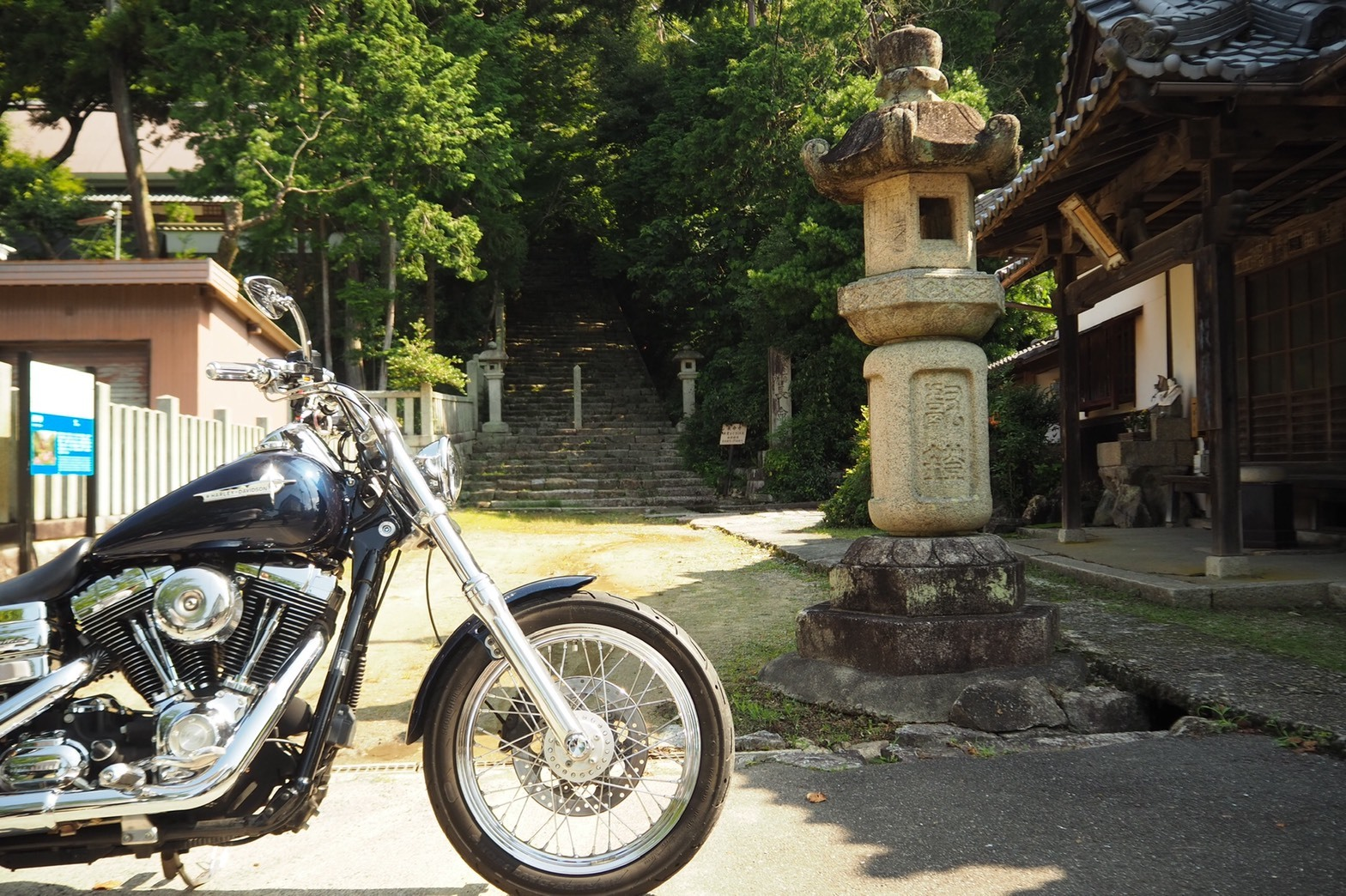 harleydavidson-motorcycle-touring-blog-lakebiwa-oneround-choumeiji-shrine.jpg