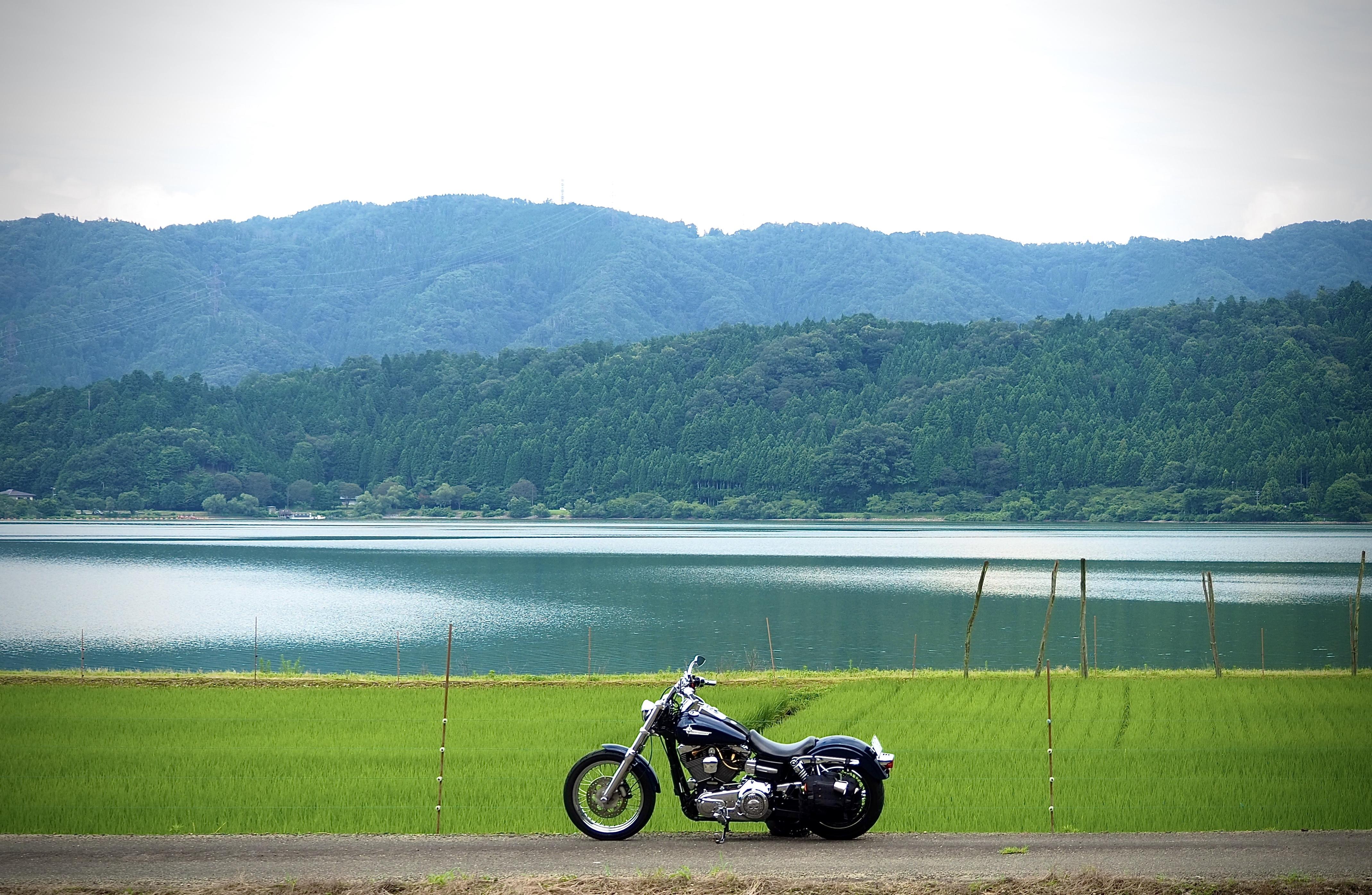 ぴーきちハーレーブログ ビワイチ ヨゴイチツーリング 余呉湖の景色