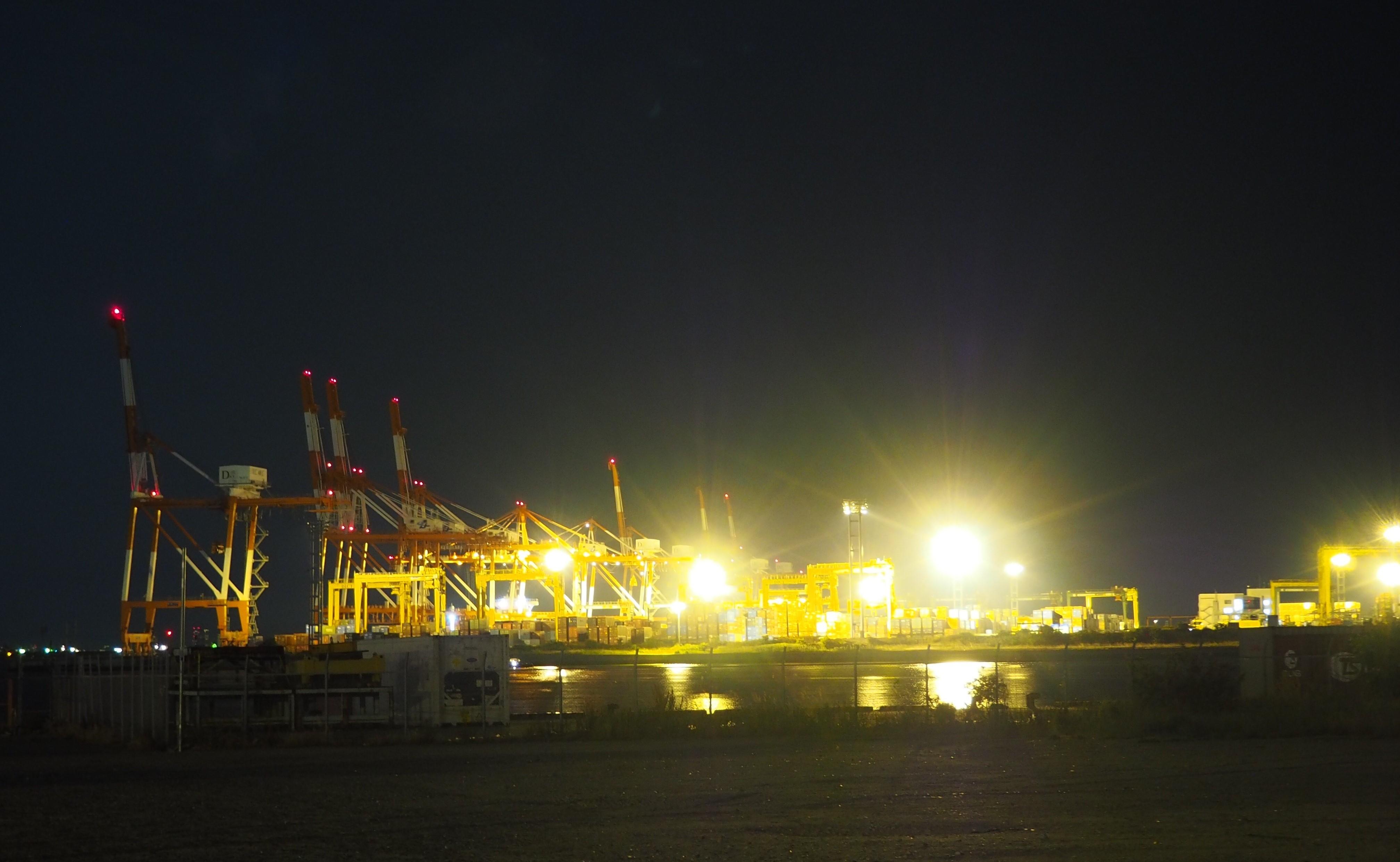ぴーきち&ダイナ ハーレーブログ 大阪ツーリング ナイトバージョン 市内の夜景 ガントリークレーン