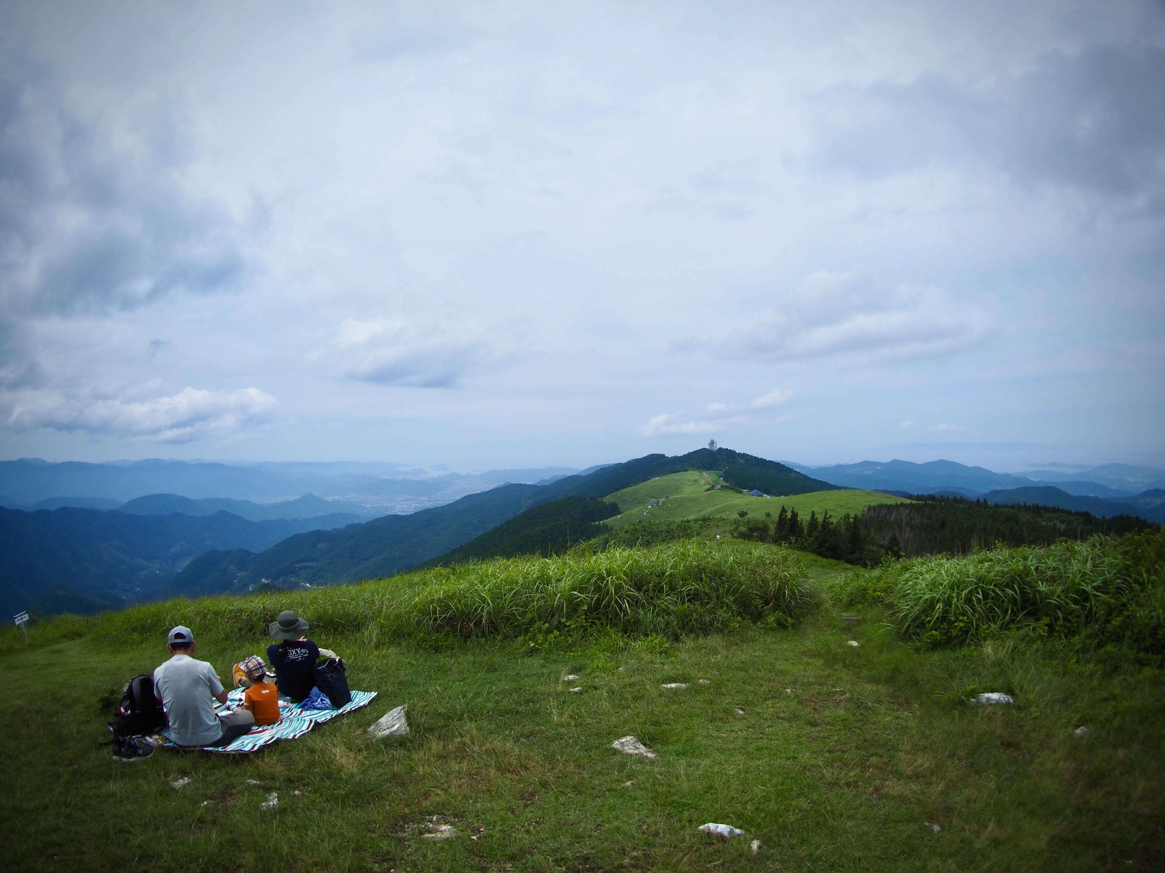 ぴーきち&ダイナ ハーレーブログ 和歌山有田ツーリング 生石高原 頂上の景色