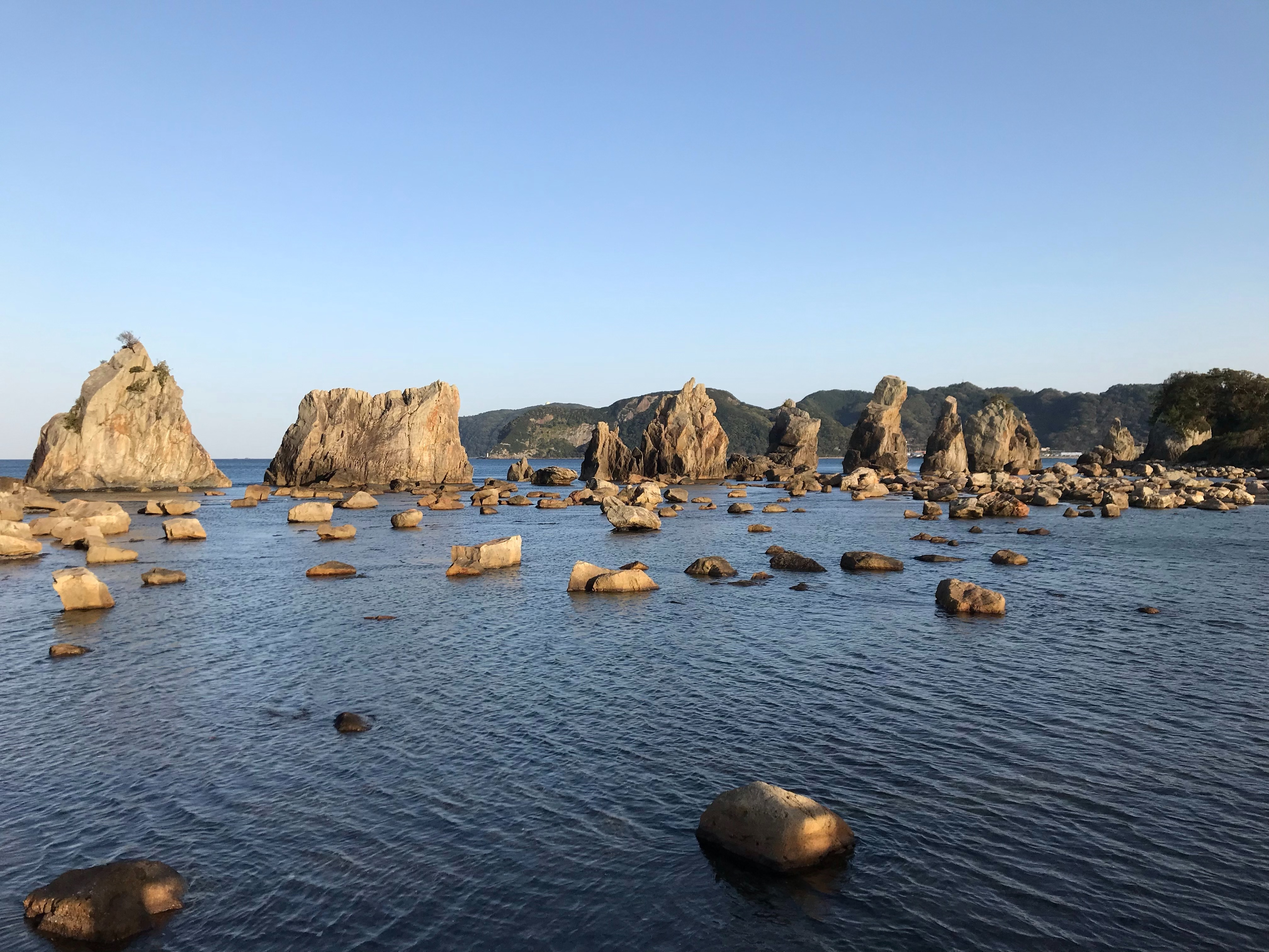 ぴーきち&ダイナ 紀伊半島ツーリング 和歌山県 串本町 橋杭岩 全景