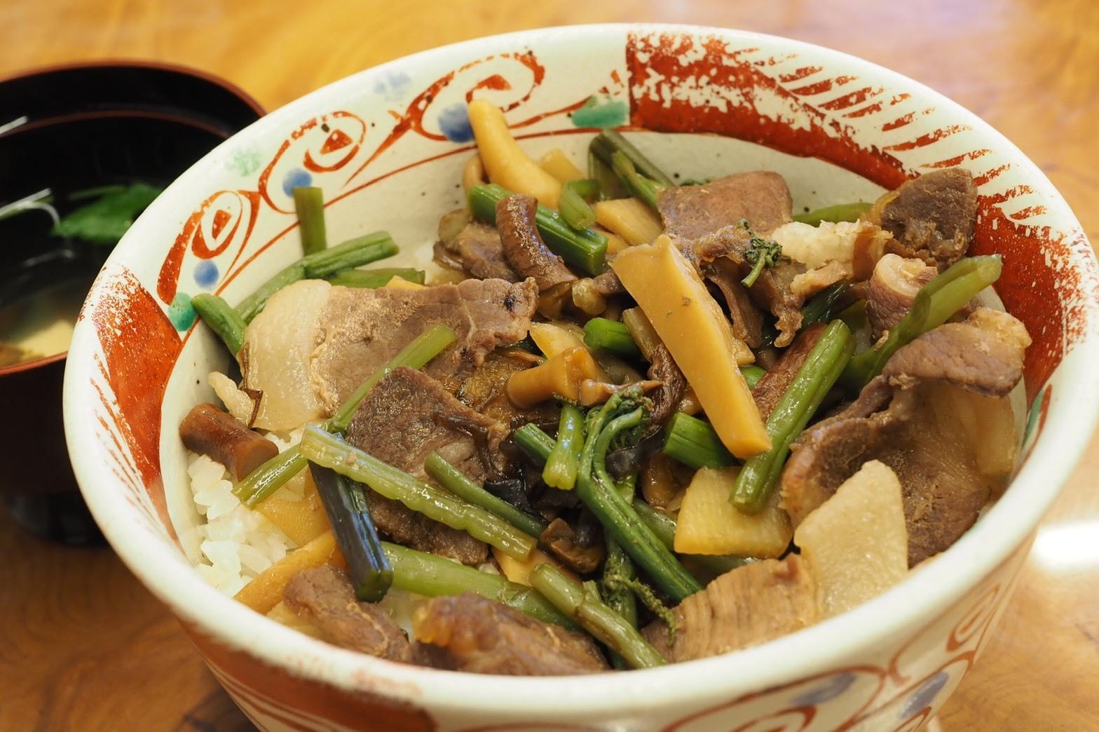 ぴーきちグルメブログ 石川県 レストラン手取川 猪丼