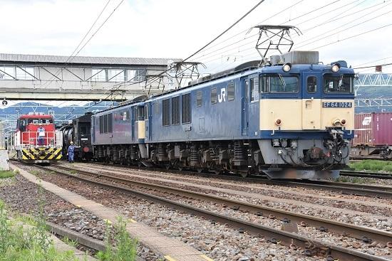 2020年7月12日撮影 南松本にて西線貨物5880レ機回しとHD300-9号機