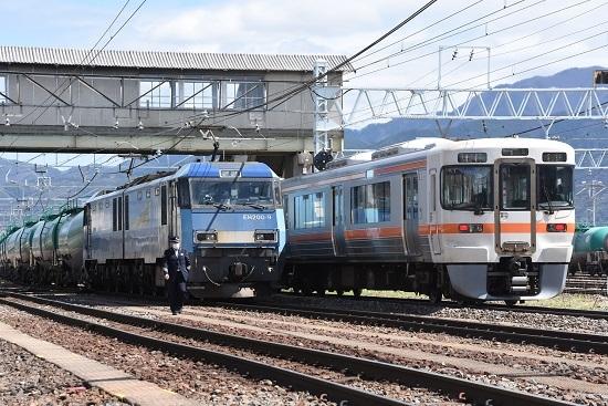 2020年5月4日撮影 南松本にてEH200-9号機と313系1700番台の並び