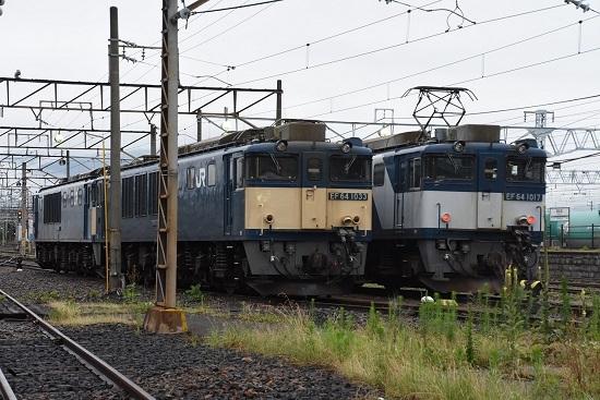 2020年7月18日撮影 南松本にてEF64-1017号機と1033号機の並び
