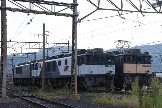 2020年8月29日撮影 南松本にて 篠ノ井線8467レとお休み中のEF64-1003号機