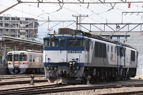 2020年5月5日撮影 南松本にてEF64-1015号機と1825M 313系