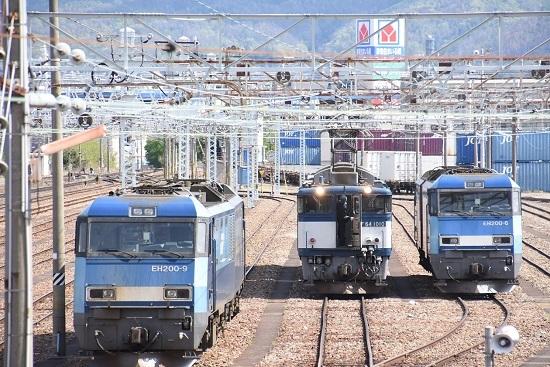 2020年5月5日撮影 南松本にて西線貨物8084レ 貫通扉が開く