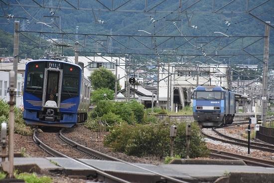 2020年7月18日撮影 しなの鉄道 6602M SR-1系 S101編成 軽井沢リゾート2号とEH200-4号機