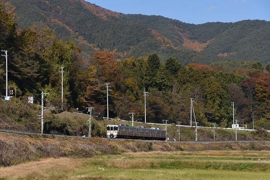 2020年11月8日撮影 飯田線 544M 313系1700番台 B152編成 紅葉と 2
