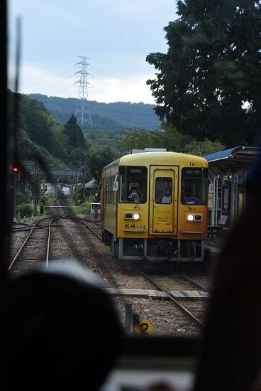 2020年8月30日乗車 岩村駅にてアケチ14