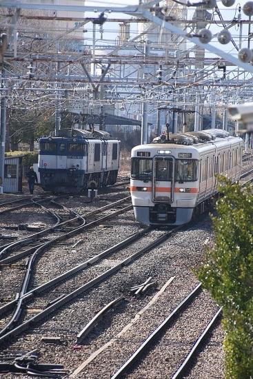 2020年2月29日撮影 南松本にて EF64-1005号機と313系1700番台