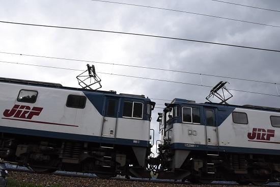 2020年5月6日撮影 西線貨物8084レ EF64-1013+1015号機の連結部