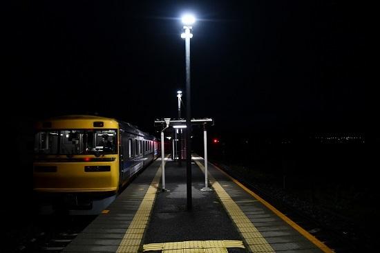 2020年10月18日撮影 試9783D 早朝の伊那新町駅にてキヤ95 DR1折り返し