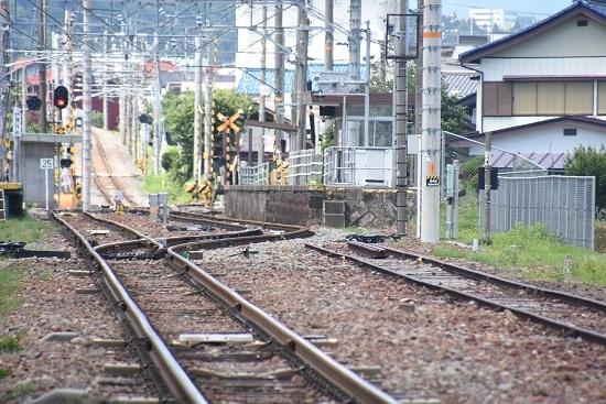 2020年7月19日撮影 沢渡駅 廃止の貨物線の側線