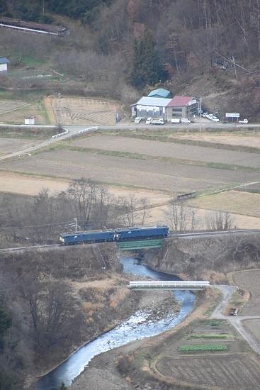 2020年11月21日撮影 坂北俯瞰 鉄橋を渡る