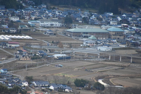 2020年11月21日撮影 坂北俯瞰 高速下を行くEF64重連