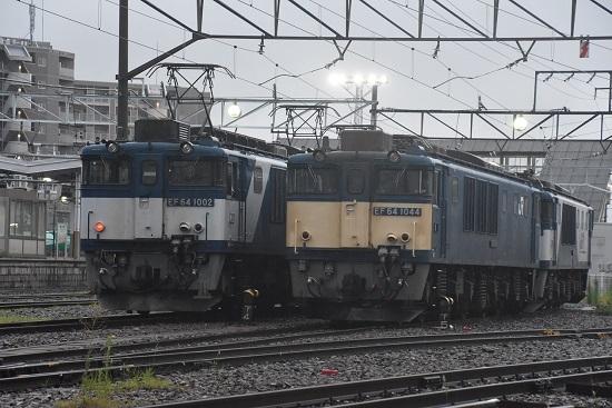 2020年7月25日撮影 南松本にて 篠ノ井線8467レ EF64-1002と1044号機の並び