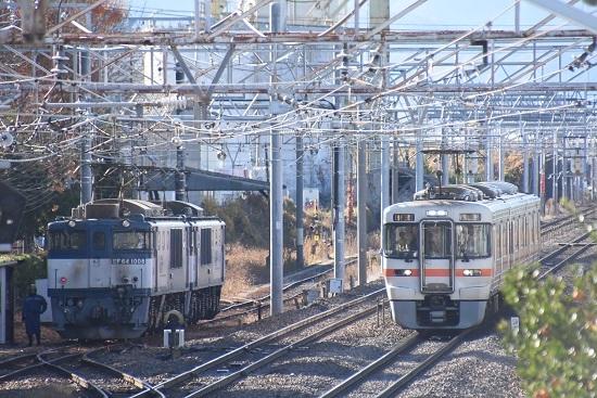 2020年11月21日撮影 南松本にて 西線貨物8084レと313系1700番台