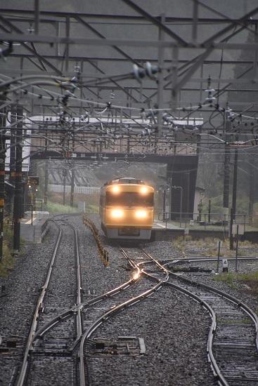 2020年5月10日撮影 中央西線 贄川駅を発車するキヤ95 DR1編成
