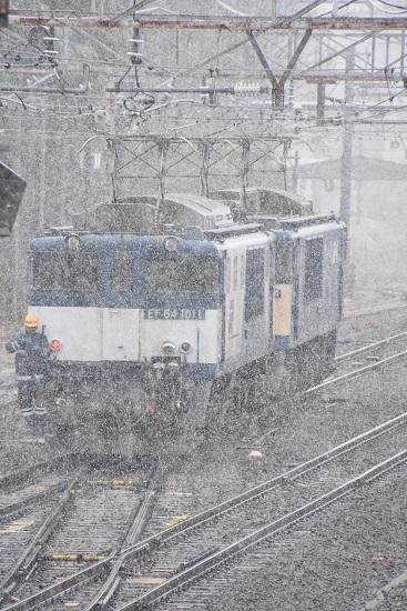 2020年3月14日撮影 南松本にて西線貨物8084レ 機回し EF64-1011号機