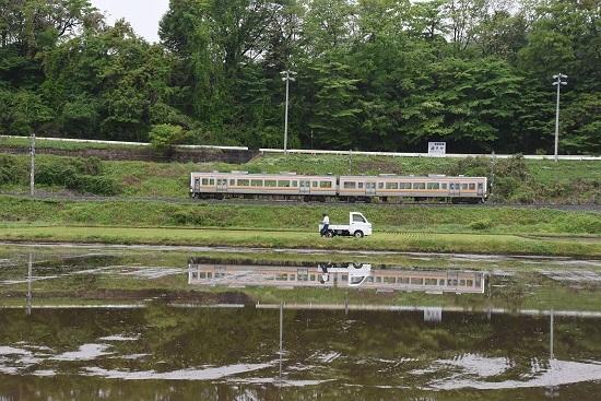 2020年5月17日撮影 飯田線 206M 213系と軽トラックの水鏡