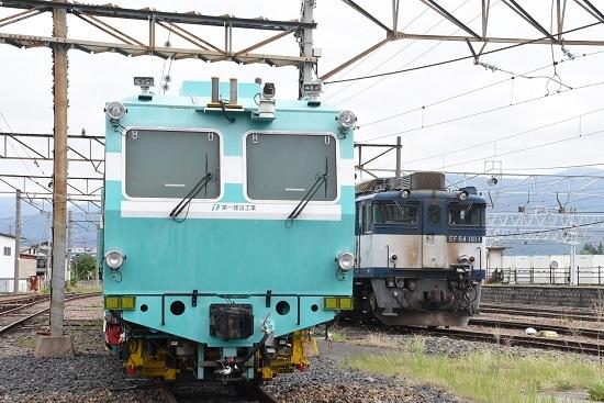 2020年5月17日撮影 南松本にてマルタイとEF64-1011号機
