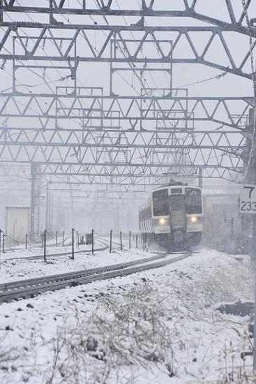 2020年3月14日撮影 塩尻大門にて1530M 211系 雪の中