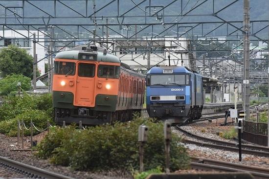 2020年7月25日撮影 しなの鉄道 115系 湘南色とEH200