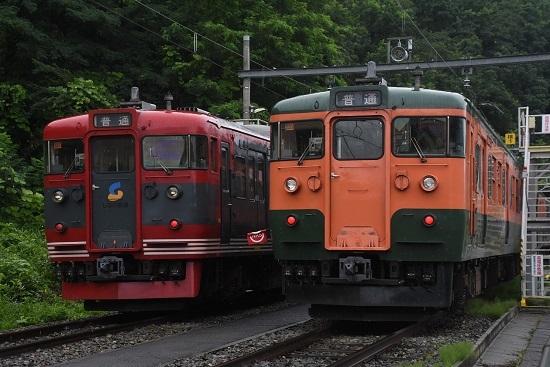 2020年7月25日撮影 戸倉駅にて115系 湘南色としなの鉄道色