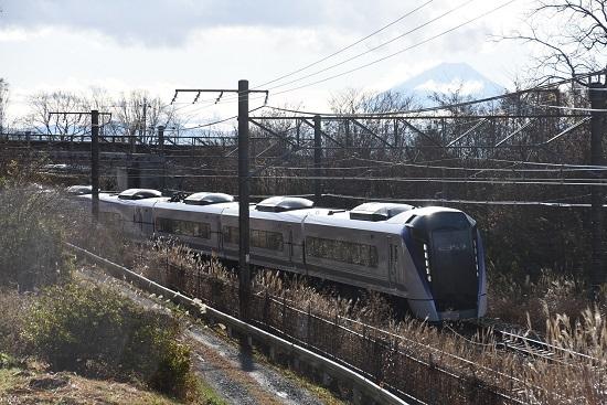 2020年11月28日撮影 中央東線 1M E353系 あずさ1号と富士山