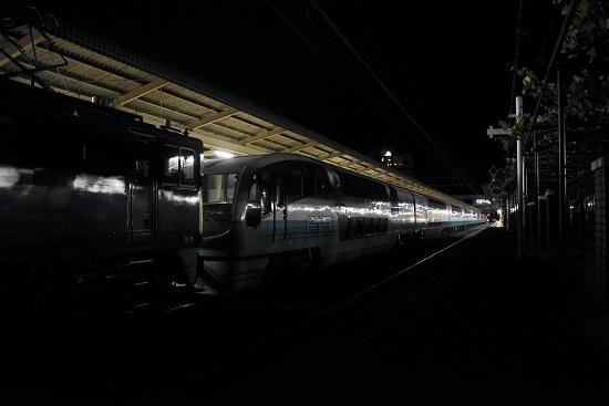 2020年5月20日撮影 塩尻駅にて 251系 RE02編成廃回