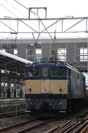 2020年5月22日撮影 岡谷駅にてEF64-37号機