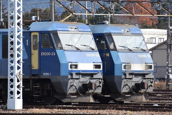 2020年11月29日撮影 南松本にて EH200-22号機と18号機の顔
