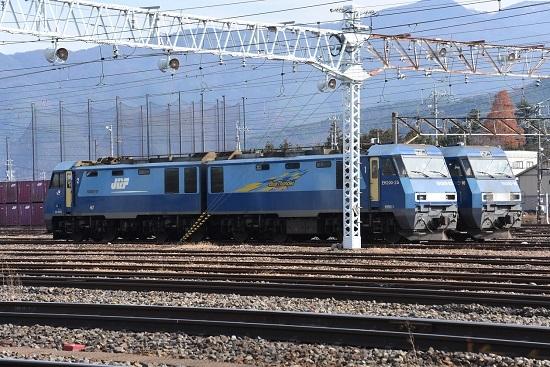 2020年11月29日撮影 南松本にて EH200-22号機と18号機をサイドから