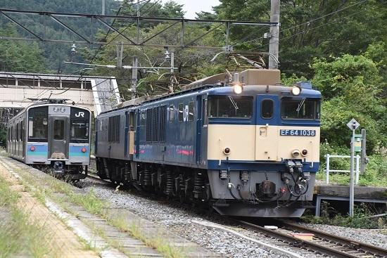 2020年9月19日撮影 篠ノ井線8467レ EF64原色重連 冠着駅にてE127系と交換