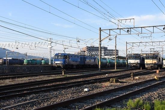 2020年5月30日撮影 南松本にて 坂城貨物5463レ EH200とEF64の3並び
